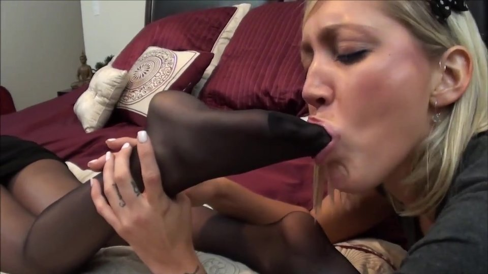 hardcore lesbian sex with strap ons