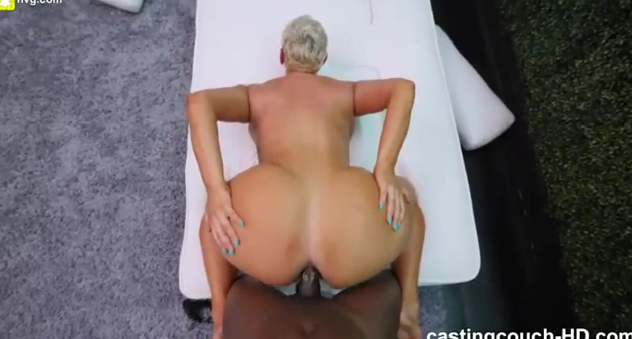pics of small ass